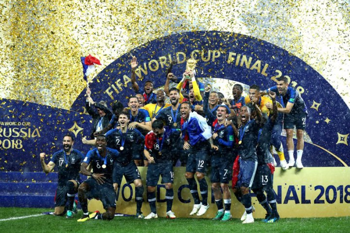 704078-france-trophy-fifa-Copy-3